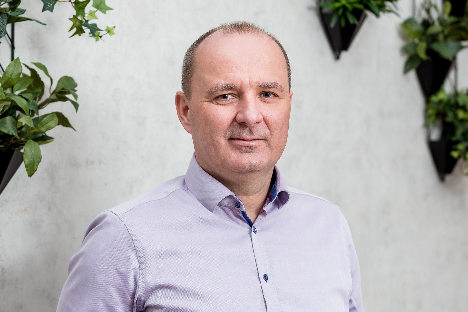 Simon Gordon pénzügyi és biztosítási tanácsadó Győr